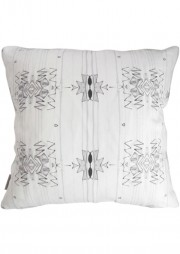 newwebLONG_pillow18x18_akimbo3GS