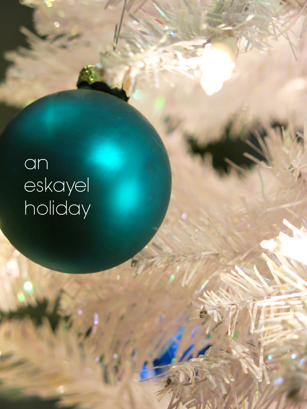 web_holiday_ornament