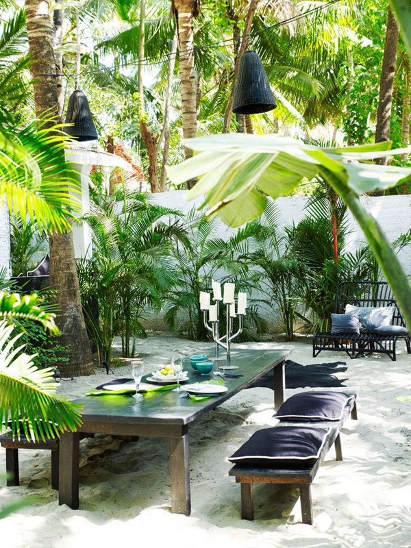blog_resize_tropical_backyard_dining