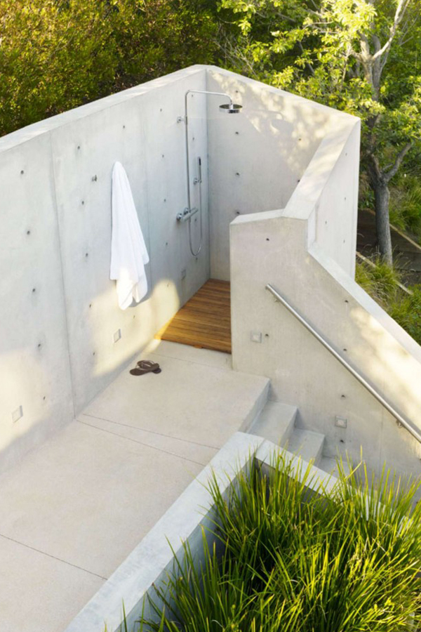 blog_the-banyan-treehouse-outdoor-shower-remodelista