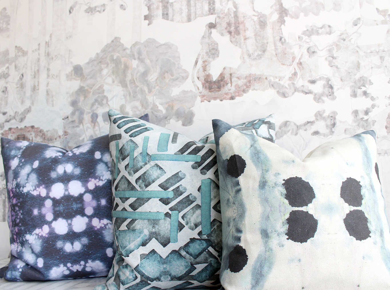 1366_Sample_sale_pillows